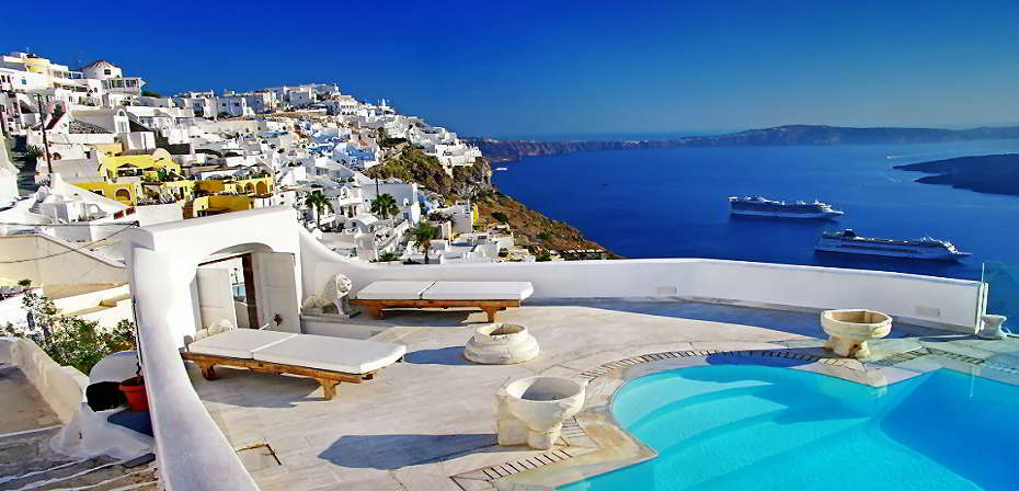 tours & shore excursions of Santorini from €30